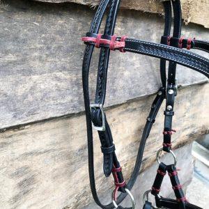 Sidepull mit V-Stirnriemen und Basketpunzierung - rechte Schnalle